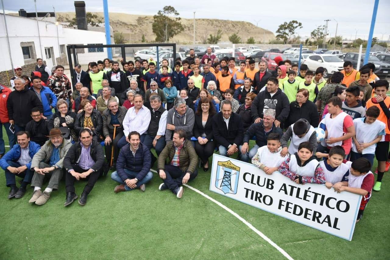 Entrega aporte 2018 11 16 a - Entrega de aportes a clubes e instituciones